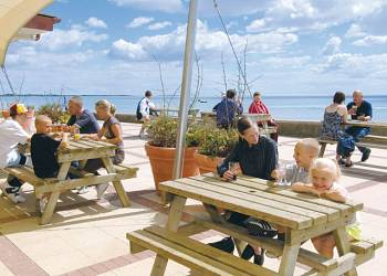 Essex Holiday Parks Find And Book Your Next Holiday In Essex