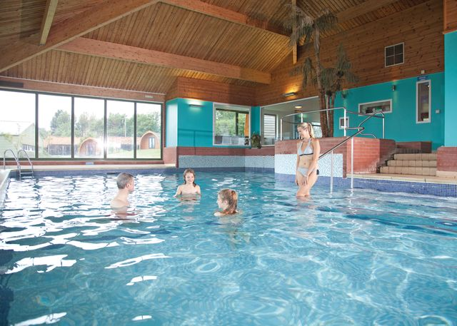 Waveney park in norfolk england - Campsites in norfolk with swimming pool ...
